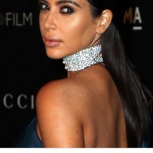 Jewelry - Kim K-esque Large crystal choker w/ clasp at back